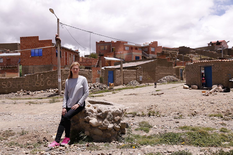 Ylen uutistenlukija Piia Pasanen tutustui Boliviassa Suomen lähetysseuran työhön. Kuva: Päivi Korpela
