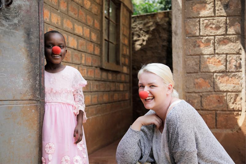 Jenspa tapasi matkallaan muun muassa suloisen 6-vuotiaan Estherin, joka oli vaarassa joutua silvotuksi.